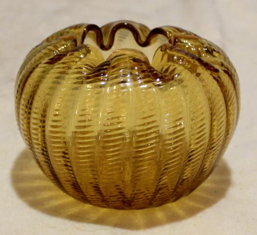 Amber glass rose bowl