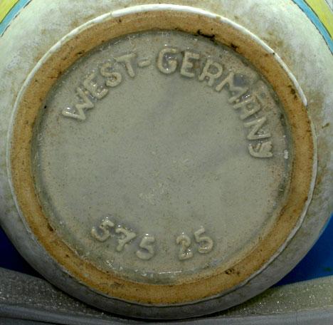 Bay Keramik shape 575, bottom photo