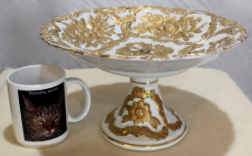 Porcelain compote with embossed roses