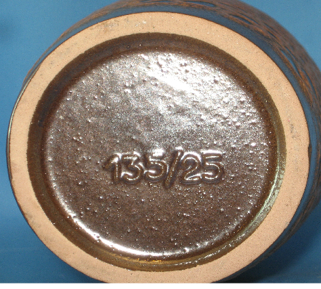 Steuler Vase Shape 135, bottom photo